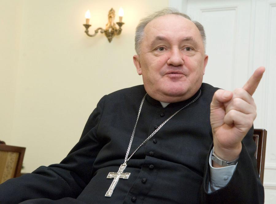 Arcybiskup Nycz dla DZIENNIKA: Polska nie jest krajem laickim