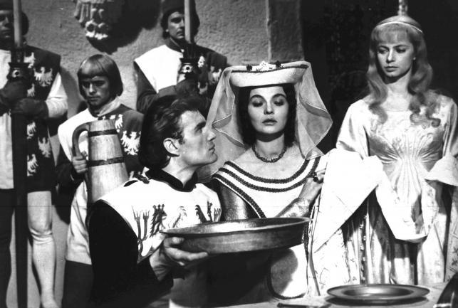 Mieczysław Kalenik jako Zbyszko z Bogdańca, Lucyna Winnicka jako Księżna Anna Danuta i Grażyna Staniszewska jako Danusia