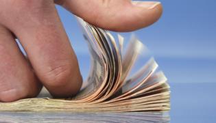 Rosną marże i oprocentowanie złotowych kredytów hipotecznych