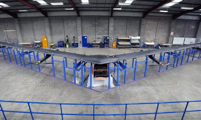 Facebook buduje monstrualnego drona. Misja czy biznes? ZDJĘCIA
