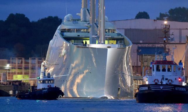 """Największy na świecie jacht ruszył w pierwszy rejs. Oto """"Biała Perła"""""""