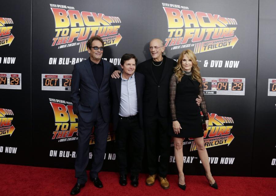 Huey Lewis, Michael J. Fox, Christopher Lloyd i Lea Thompson