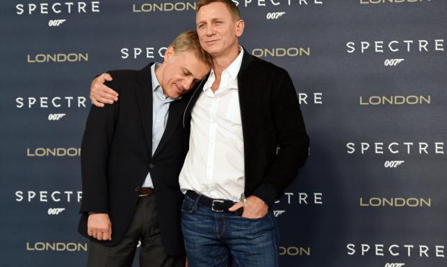 Bond przytula, Bellucci uwodzi, a \