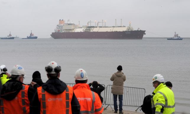 Pierwszy statek ze skroplonym gazem wpłynął do terminalu LNG w Świnoujściu. ZDJĘCIA