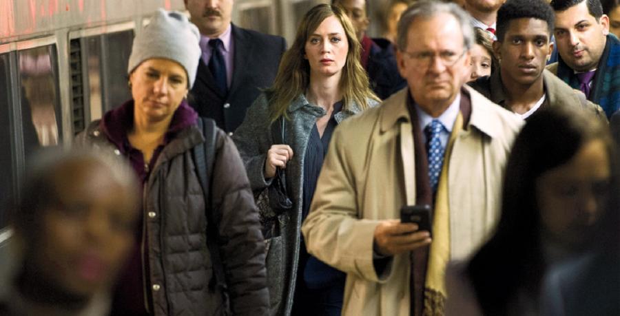 Emily Blunt jest dziewczyną w pociągu