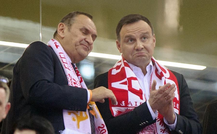 Prezydent Andrzej Duda ogląda mecz Polska-Serbia