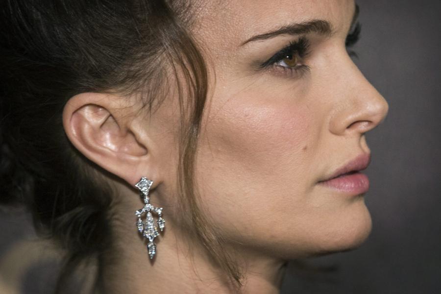 Natalie Portman na paryskiej premierze \