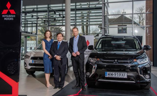 Anna Cieśak, szef polskiego oddziału Mitsubishi Yasuyuki Oyama i Maciej Stuhr