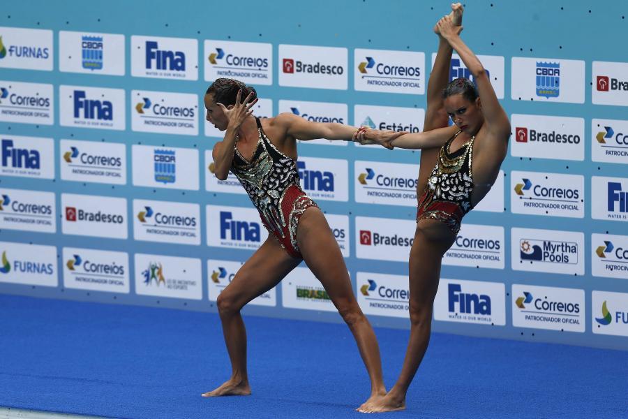 Pływaczki synchroniczne ociekają nie tylko wodą