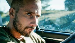 "Matthias Schoenaerts w filmie ""Cień"""