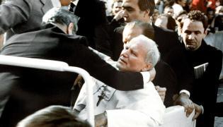 Moment zamachu na Jana Pawła II
