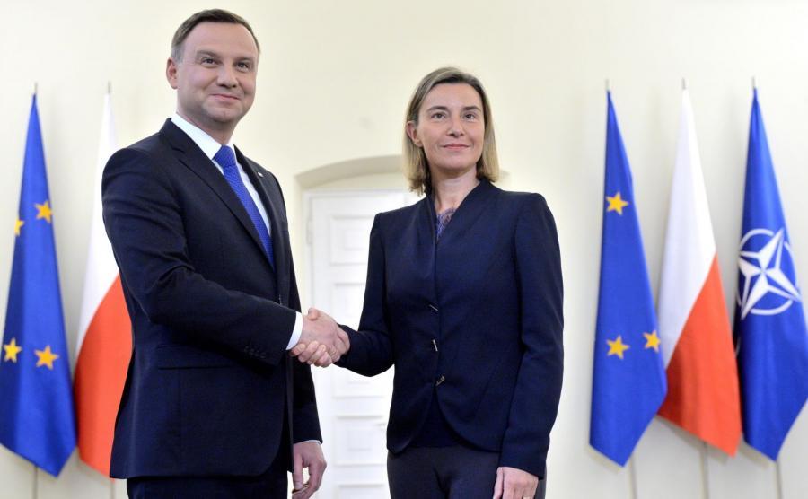 Wysoki przedstawiciel Unii do spraw zagranicznych i polityki bezpieczeństwa Federica Mogherini oraz prezydent Andrzej Duda