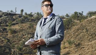 """""""Szukając Kelly"""" to fabularny debiut reżyserski Thomasa Bidegaina, wielokrotnie nagradzanego scenarzysty"""