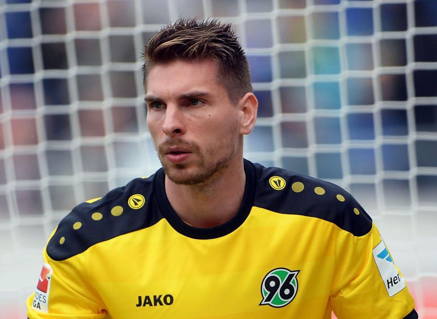 02858ca58 ... piłkarskiej reprezentacji Niemiec i uczestnik zwycięskich mistrzostw  świata 2014 w Brazylii, przechodzi z Hannoveru 96 do drużyny mistrza Anglii  ...