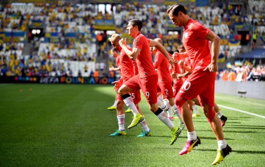 Piłkarze reprezentacji Polski na Stade Velodrome w Marsylii, przed meczem grupy C mistrzostw Europy z Ukrainą