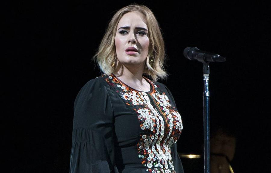 Adele klnie jak szewc