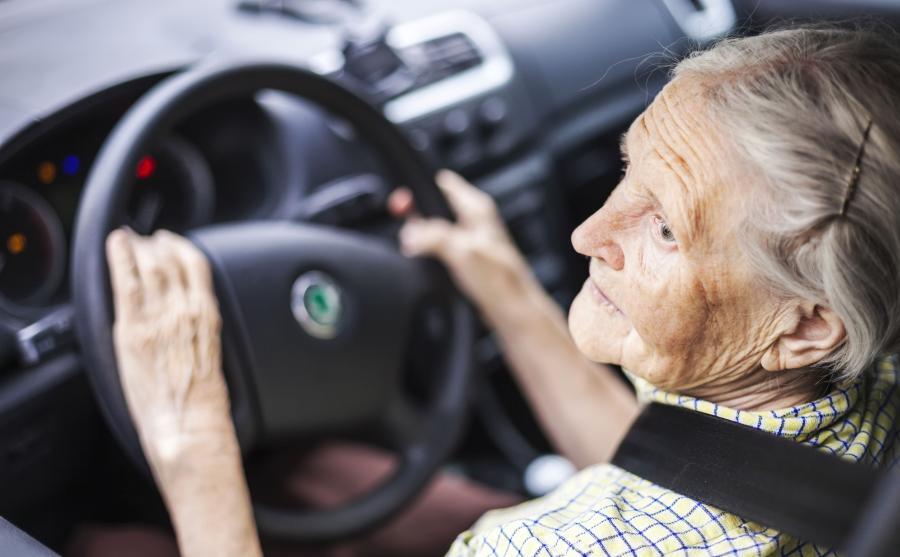 Babcia za kierownicą