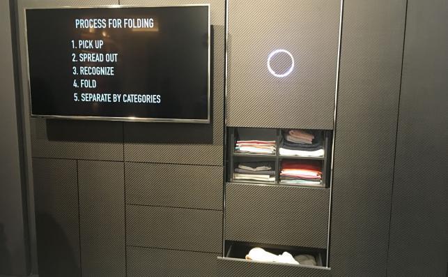 Automat składający pranie