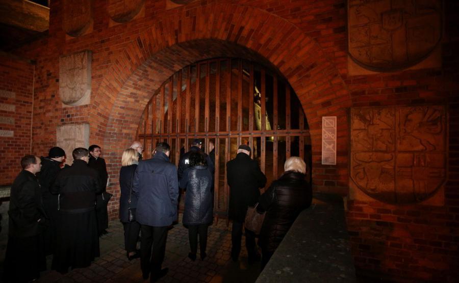 Ponowny pogrzeb pary prezydenckiej na Wawelu