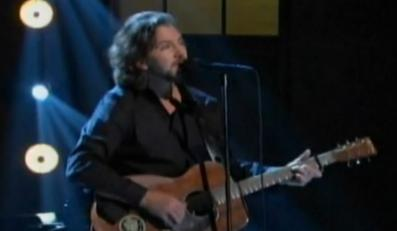 Posłuchaj, jak Vedder śpiewa Springsteena